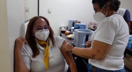 Barceló Bávaro Grand Resort vacuna a los empleados contra el Covid19